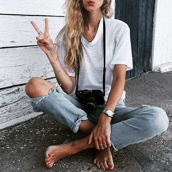 #Inspiration ✌️☀️ Life is better at the beach ☀️ #regram #girl #beach #travel #basic #tshirt #easy #cool #holiday #fun #kiss #ootd #outfitoftheday #kiss #beauty #natural #messyhair #blonde