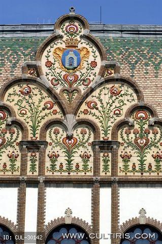 Art Nouveau details in Kiskunfélegyháza, Hungary