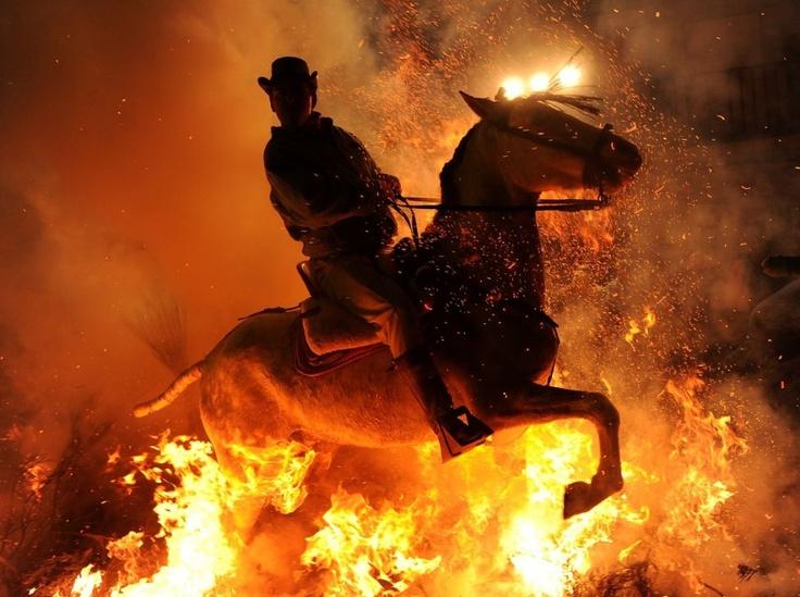 """""""Las Luminarias"""" de San Anton, the festival where horses jump through fire!"""