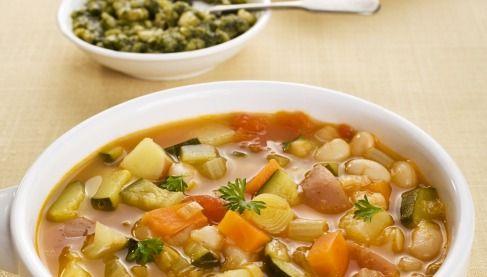 """750g vous propose la recette """"Soupe au pistou"""" notée 4/5 par 126 votants."""