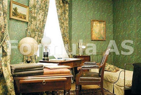 Castelul din Carpati Jules Verne. -  Biroul de lucru al lui Jules Verne