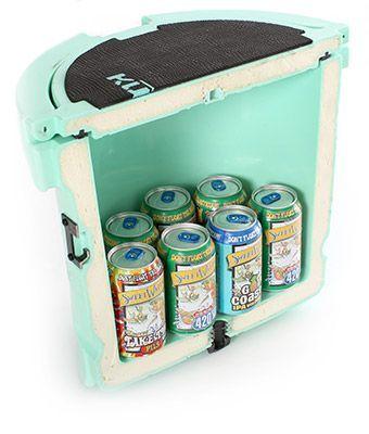 Corte transversal de KULA refrigerador con cerveza