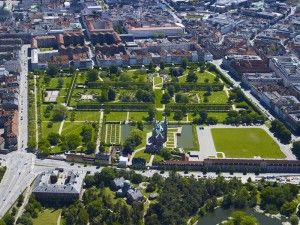 Copenhagens new museum district attracts visitors to its green gardens