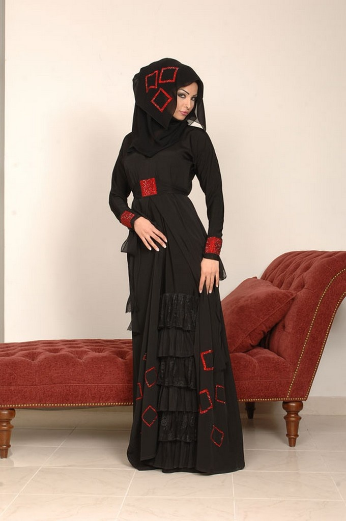 Modesty, once again is reborn into our fashion industry. Approached and distinguished within most countries, http://goo.gl/EvHT3u
