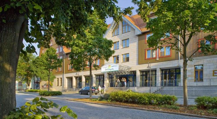 HKK Hotel Wernigerode Wernigerode This stylish, welcoming hotel is located only 100 metres from the historical city of Wernigerode's Old Town, 600 metres from the train station, and surrounded by the beautiful Harz mountains. WiFi is provided free of charge in all areas.