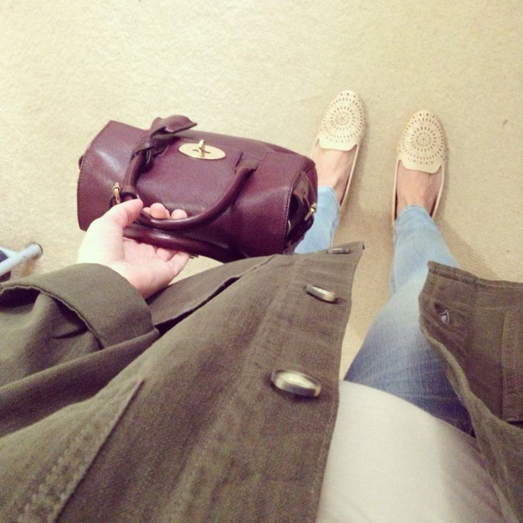 Simply outfit in skinny jeans, nude slippers and military shirt jacket both from topshop, bag is mulberry cara oxblood