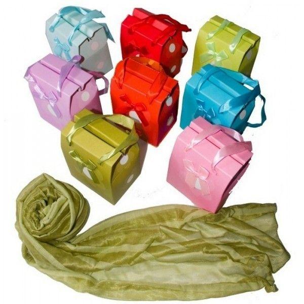 ¿Buscas detalles para bodas prácticos? ¿Que sean regalos originales pero que puedan utilizarse en el día a día? Las pashminas para bodas es el regalo que estás buscando para tus invitadas.  Este detalle práctico y original seguro que gustará a todas las mujeres que lo reciban. Las pashminas para bodas están pensadas para regalar tanto a mujeres como a las niñas, que querrán ir igual de guapas que sus madres.
