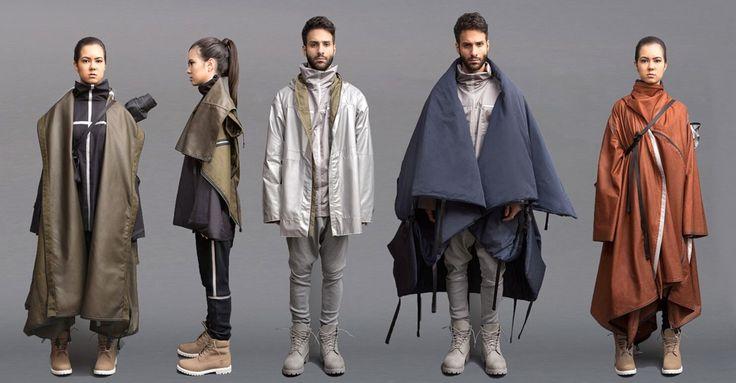 Una de sus parkas se convierte en una carpa, y otra en mochila.