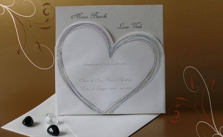 Partecipazioni di Matrimonio, inviti di Nozze.  Tasca decorata in argento in carta trasparente, interno in cartoncino color    quarzo
