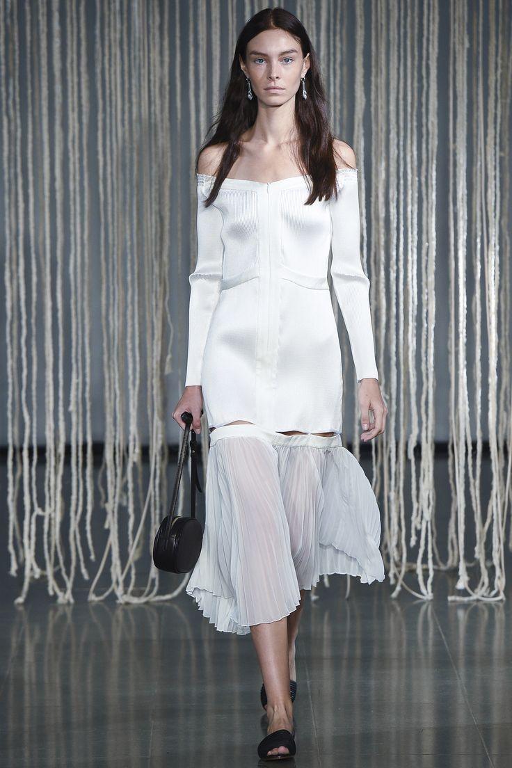 Barbara Casasola Spring 2016 Ready-to-Wear Collection Photos - Vogue