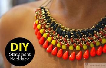 Многослойное ожерелье из цепочек и бусин