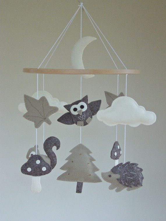 Baby Mobile Owl / Woodland / Forest Animals Cot Mobile in neutral tones of Felt by ClooneyCrafts