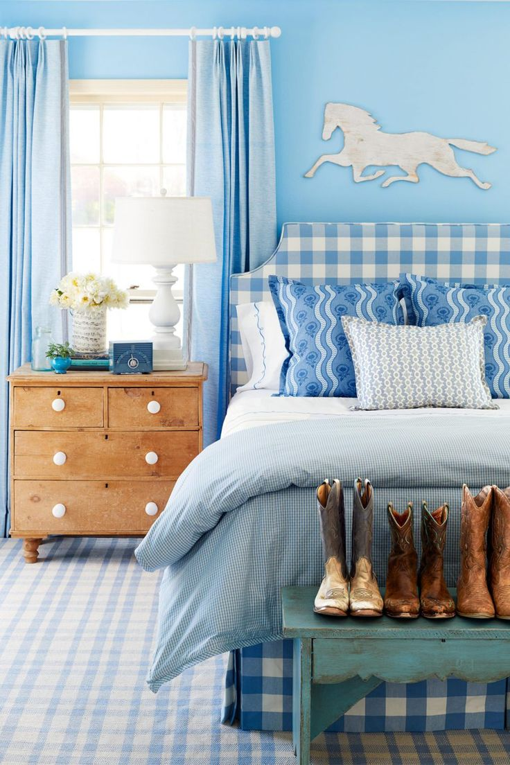30 Best Vintage Bedroom Decor Ideas Interiorsherpa Bedroom Vintage Blue Bedroom Colors Vintage Bedroom Decor Vintage bedroom ideas color