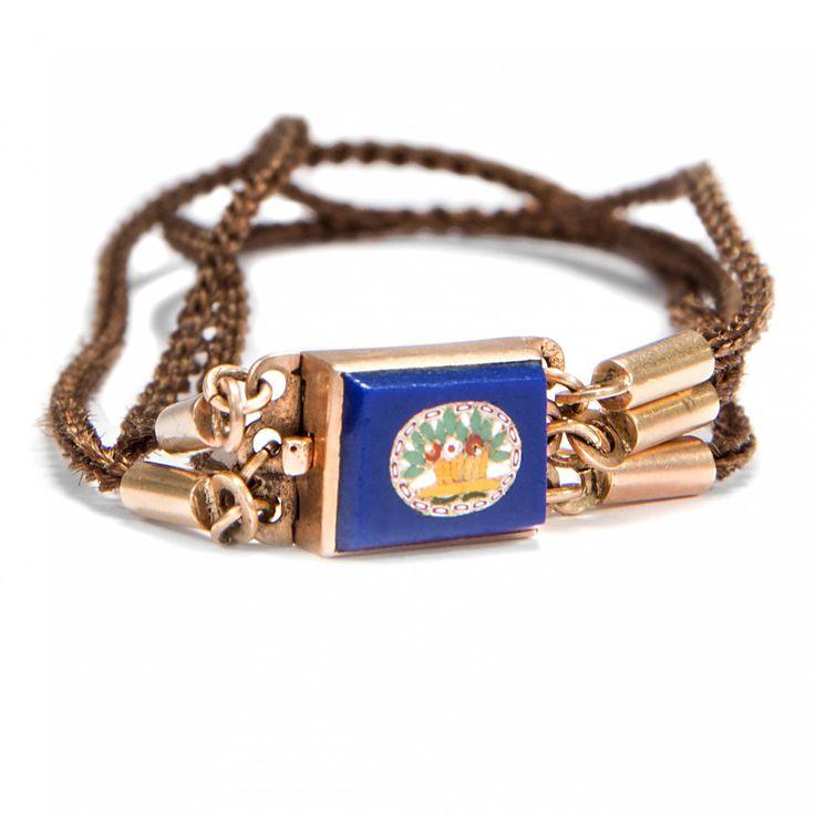 Römische Erinnerung - Armband aus Haar mit Schließe aus Gold & Mikromosaik, um 1820 von Hofer Antikschmuck aus Berlin // #hoferantikschmuck #antik #schmuck #antique #jewellery #jewelry