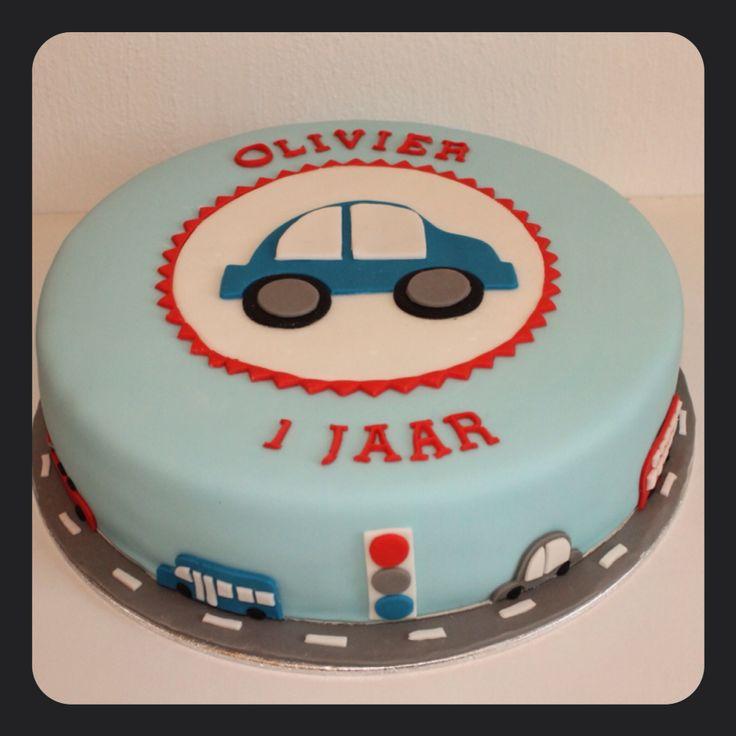 1st birthday cake for a boy. 1e verjaardagstaart voor een stoere jongen