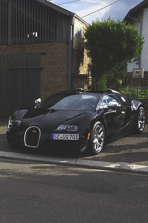 17 best images about bugatti on pinterest cars fast cars and grand prix. Black Bedroom Furniture Sets. Home Design Ideas