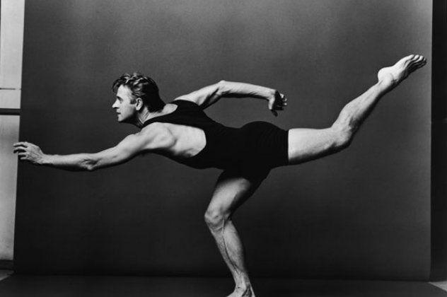 Εκπληκτικό βίντεο: Ο 68χρονος Μπαρίσνικοφ χορεύει μπαλέτο με ραπ μουσική & «σπάει» τα κοντέρ του διαδικτύου | eirinika.gr