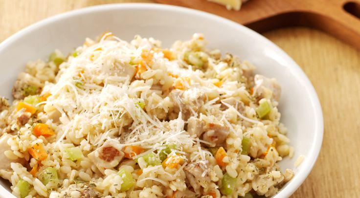 Heerlijk recept voor Risotto met kip. Ingrediënten: kipkarbonades, wortels en bleekselderij. Gebruik Lassie Italiaanse risotto.