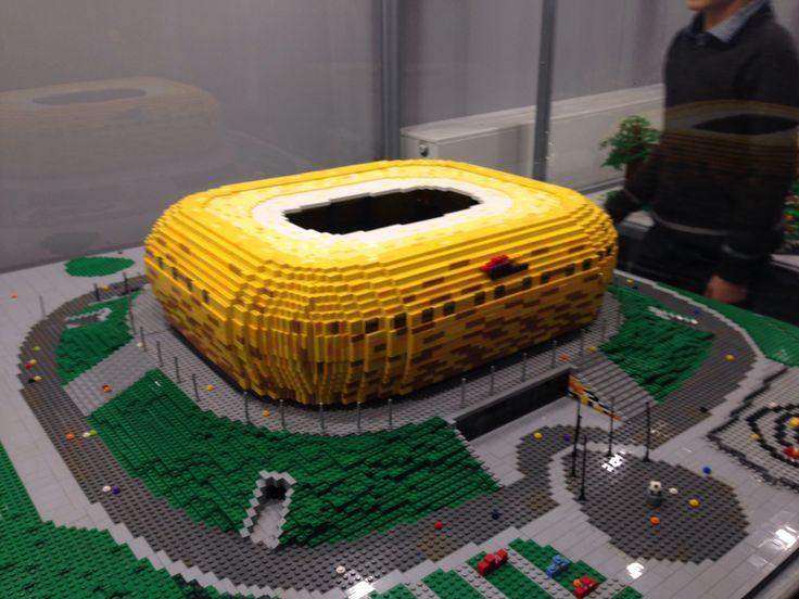 Stadion z klocków lego. Wystawa na PGE narodowy