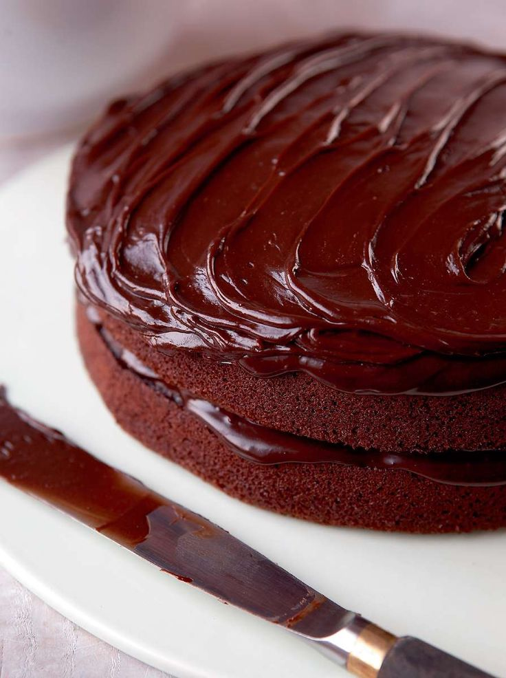 Mary Berry's Very Best Chocolate Fudge Cake - Quick & easy recipe