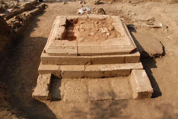 Roman cemetery Mazarakias/ Ρωμαϊκό Νεκροταφείο Μαζαρακιάς