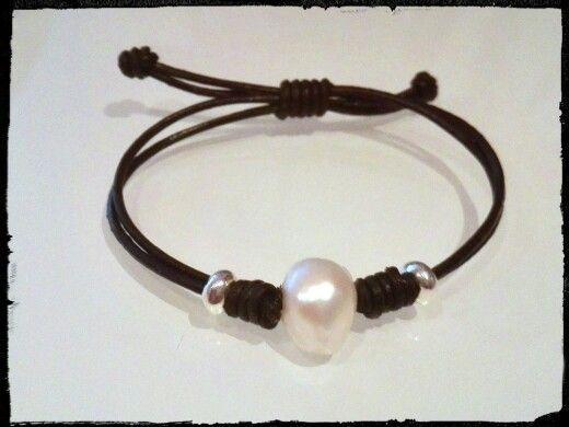 Perla y piel nudo corredizo