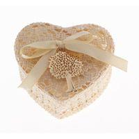 Μπομπονιέρα κουτάκι πλεκτό καρδιά με κόσμημα μενταγιόν δέντρο της ζωής.