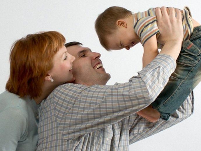Временная опека над ребенком: кто и на каких условиях может ее оформить. Размер выплат опекунам в 2016 году