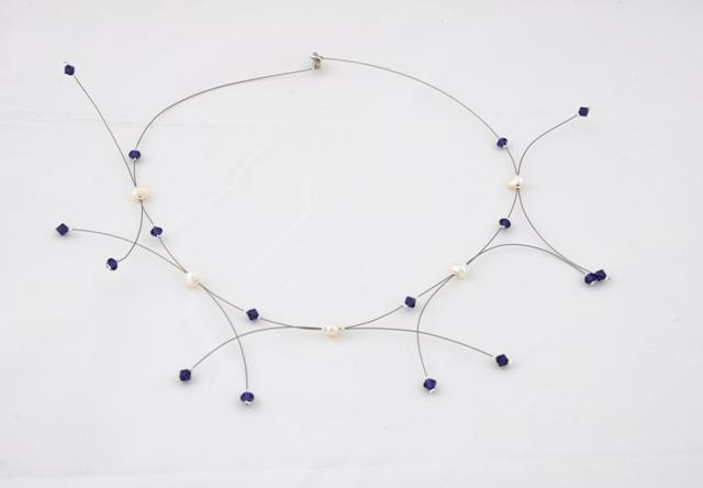 necklace with pearls and swarovski elements