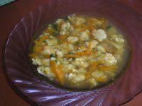 krupicovo-vajíčková polívčička(mrkev,bylinky)
