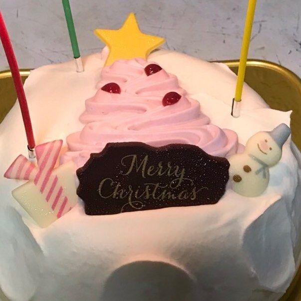 こんにちは #奥芝商店#駅前創成寺です  創成寺料理長の太田先生がケーキをクリスマスケーキを持って来てくれました_  今日まで限定で甘辛奥テバトッピングやってますので是非どうぞ  #スープカリー#スープカレー#soupcurry#北海道#hokkaido#札幌#sapporo#クリスマス#ケーキ
