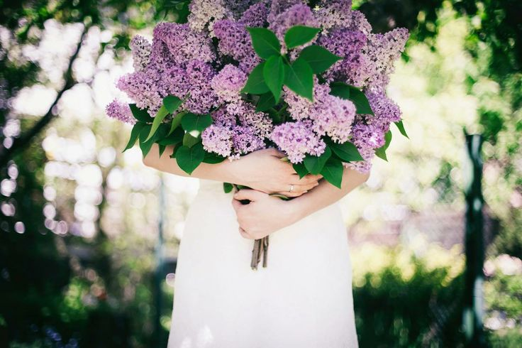 #wedding #bride #bouquet #lilly #violet #purple #vintagewedding #naturewedding #weddingring #bajkowesluby