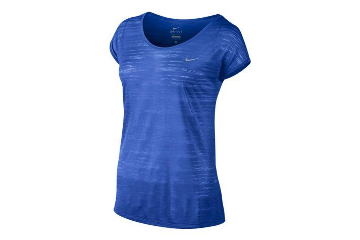 #Nike Dri-FIT Cool Breeze - lekka koszulka która świetnie się sprawdza w czasie letnich treningów biegowych. Koszulka została zaprojektowana z przewiewnych materiałów które pozwalają skórze dłużej pozostać suchą. #drifit #jesienzima2015 #koszulka #krotkierekawy