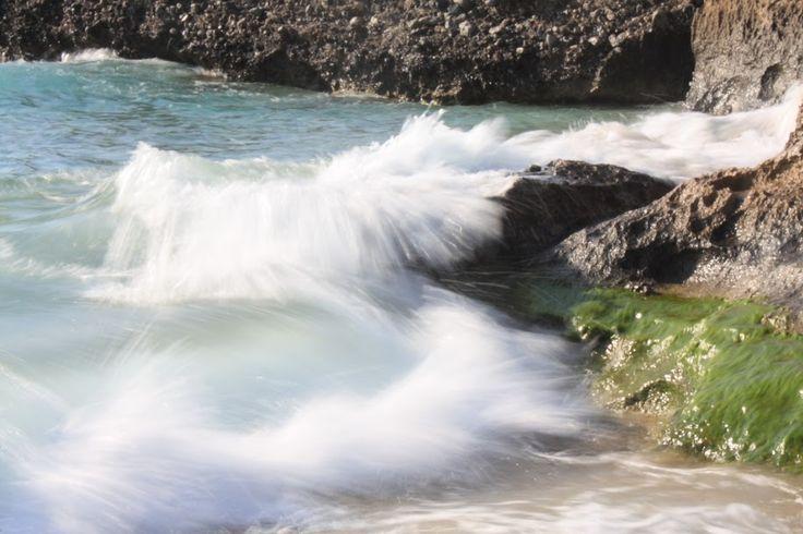 Έκρηξη νερού σε μια παραλία της Κρήτης