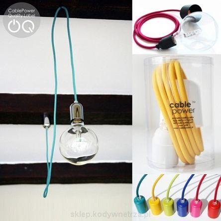 CableONE - minimalistyczna i designerska lampa żarówka ( lampa sufitowa wisząca ) od CablePower.CableONE to kwintesencja działalności CablePower, czyli tworzenia lamp bazując na archetypie lampy składającej się z kabla i żarówki. CableONE pomimo swojej prostoty występuje w bardzo dużej liczbie kombinacji. Lampa składa się z 2 metrowego przewodu w jednym z 30 kolorów do wyboru oraz oprawki żarówki i podsufitki (rozety), które występują w różnych opcjach materiałowych i…
