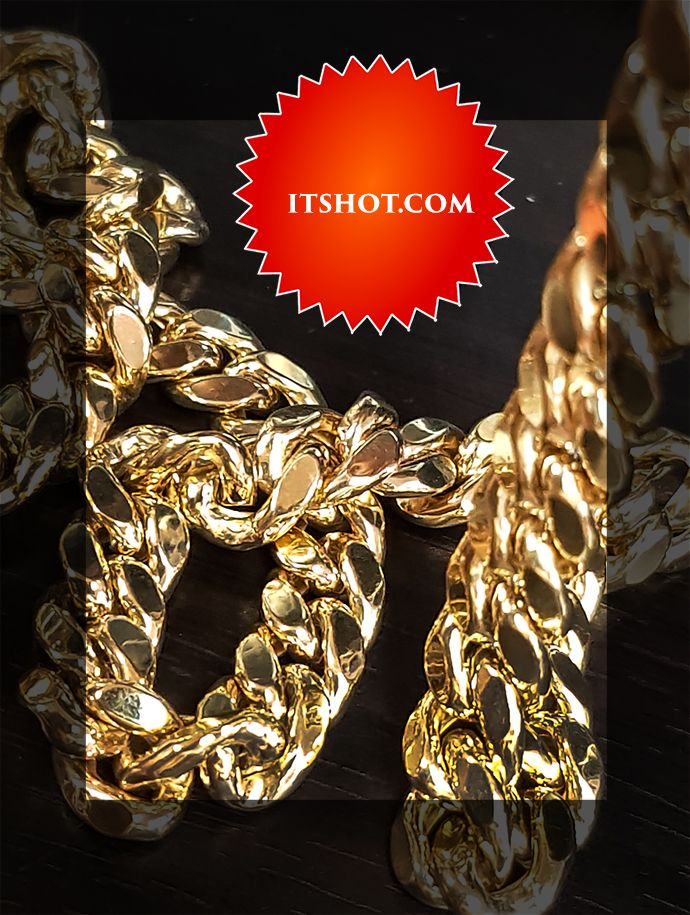 This Custom Made 1 5 Kilo Miami Cuban Link Chain For Men In Solid 14k Gold Weighs