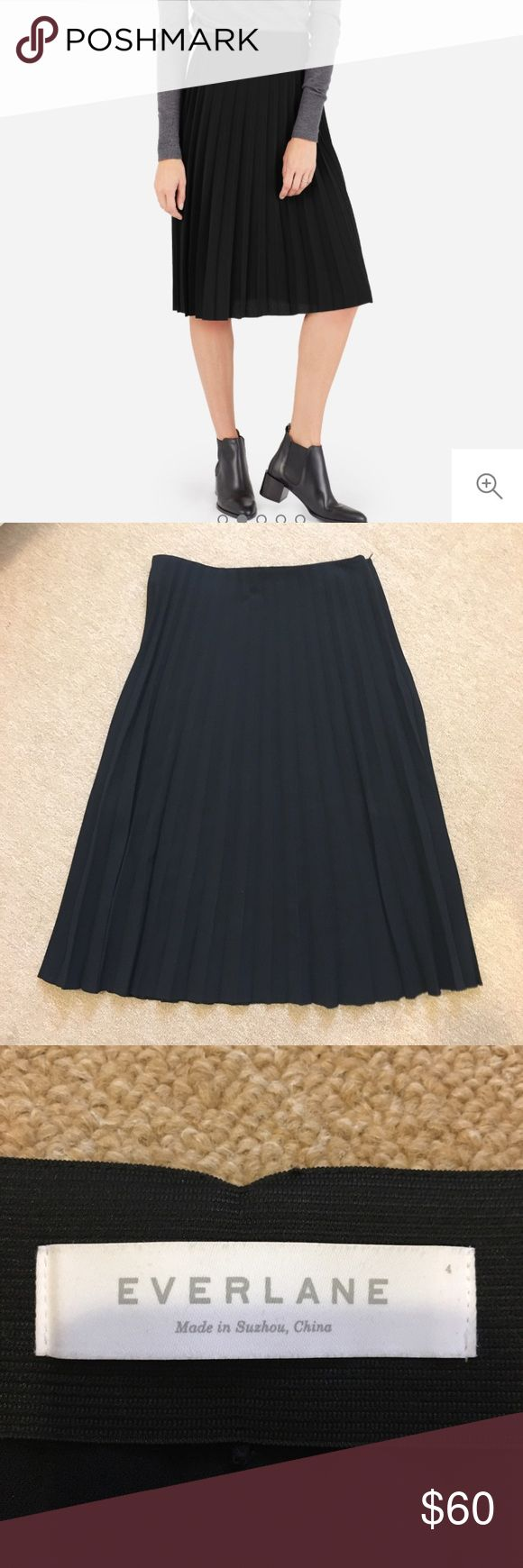 Everlane Black Pleated Midi Skirt Super versatile and can be dressed up or down! In mint condition, only wore it a few times. Zipper closure with hidden elastic waistband. Everlane Skirts Midi