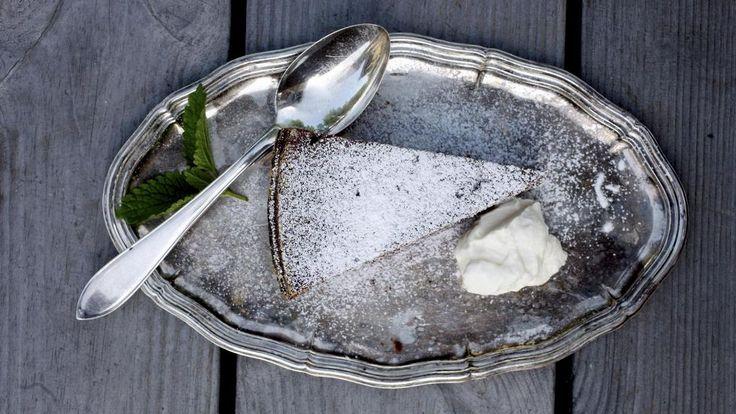 Hämmentävä suklaakakkuohje! Vain kolme raaka-ainetta – ei jauhoja eikä sokeria  - Ruokala - Ilta-Sanomat