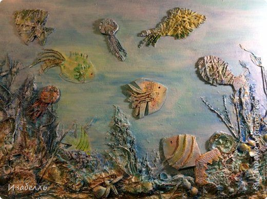 Материал для творчества всегда рядом с нами, самое главное найти идею и не отправить в мусор то, что нам еще пригодиться. Втулки от туалетной бумаги, у великих фантазеров, превращаются в произведения искусства.Сегодня из втулок мы будем делать чудо-рыб.Вот примеры разных пород фото 13