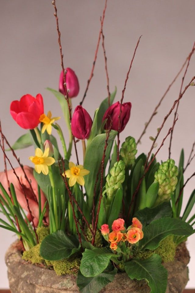 Pretty Spring Table Arrangement