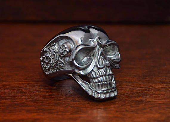 Man Skull Ring. Sterling silver 925. ALL RING SIZE AVAILABLE. Custom created for you. Find more insight picture of this jewelry in our shop.