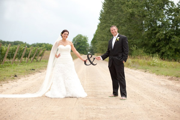 wedding photoCamps Signs, Photos Ideas, Fans, Better Reschedul, Families Pics, Dirt Roads, Wedding Photo With Ampersand, Cute Wedding Photos, Bride Groom