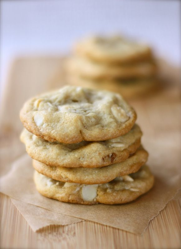 While reorganizing my pantry, I discovered that I had a bag of Ghirardelli White Chocolate Chips that, really I don't remember buying. I don't use white chocolate very often, but since I found I no...