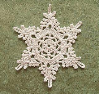 Crochet Snowflake | Pattern: 四季のレースパターン100 Thread: Rich More… | Flickr