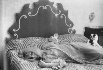 Genoa , Italy ,1960-70 , prostitute dell'antico ghetto ebraico by Lisetta Carmi