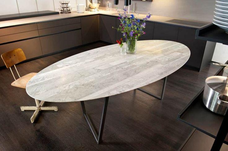 Mesa de comedor / moderna / de mármol / ovalada - Alfredo Salvatori