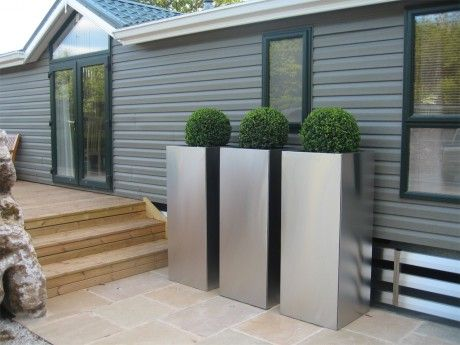 Box in stainless steel planters