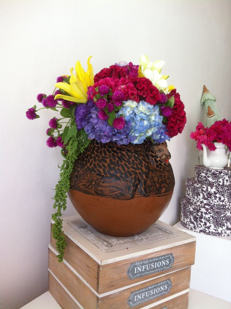 Mexican centerpieces and olla? This could work.