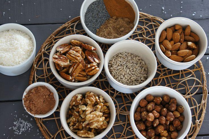 Nut granola ingredients