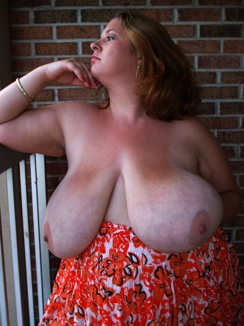 Hangin boobs the most amazing natural figure 10